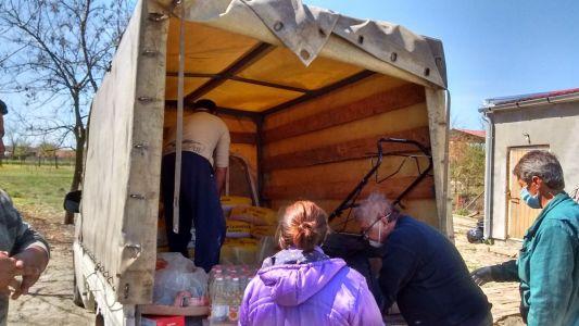Vrachtwagen met meelzakken