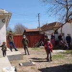 Kerkdienst Novo Milosevo in open lucht