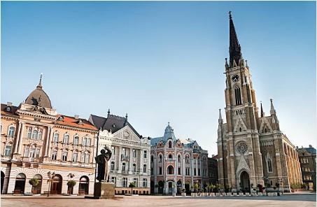003-Novi-Sad-centrale-plein