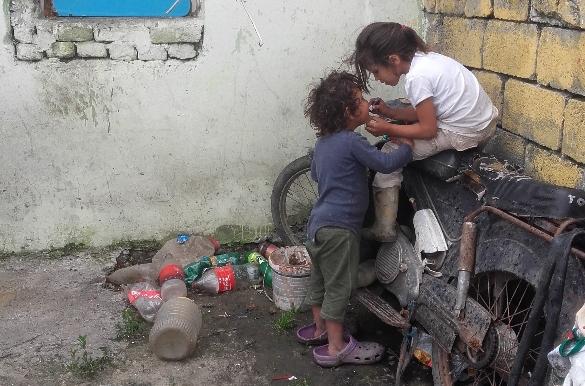 005-Novi-Sad-Roma-kinderen