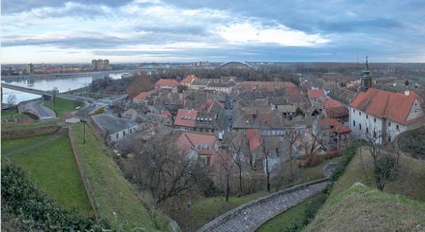 016-Novi-Sad-oude stad Petrovaradin
