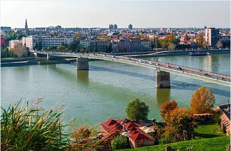 018-Novi-Sad-Donau-panorama