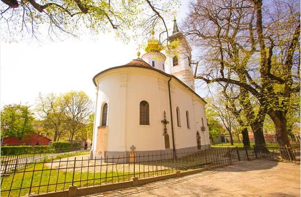 019-Novi-Sad-kerk-Nikolajevska-Porta