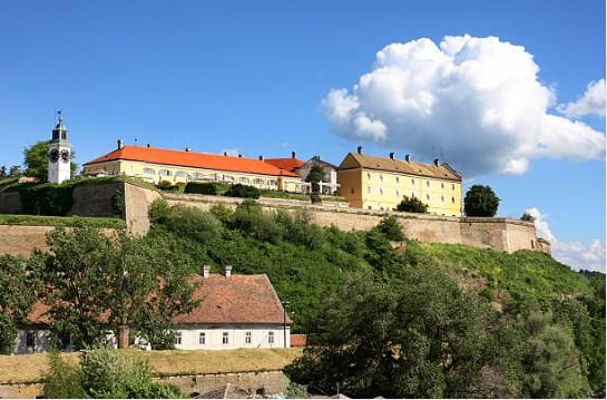 022-Novi-Sad-bij -Fort-Petrovaradin