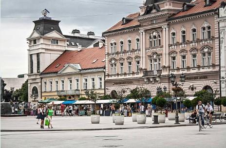 039-Novi-Sad-Plein-van-de-vrijheid