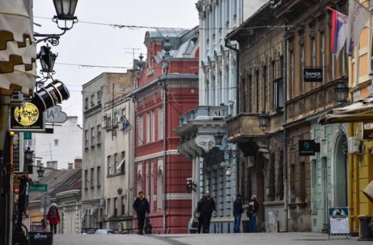 059-Novi-Sad-winkelstraat