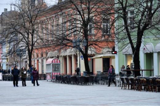 060-Novi-Sad-winkelstraat