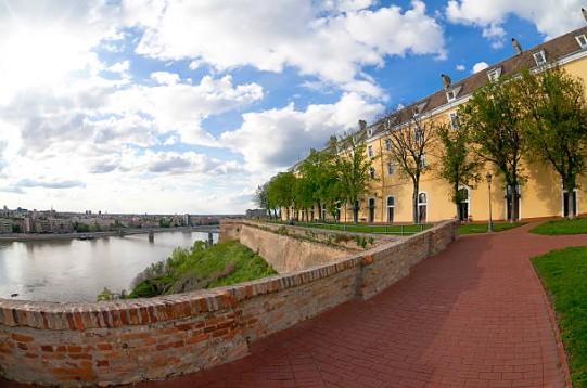069-Novi-Sad-bij-Fort-Petrovaradin