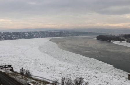 073-Novi-Sad-bevroren-Donau