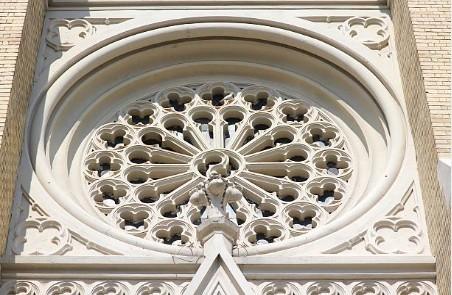 099-Novi-Sad-Maria-kerk-roosvenster